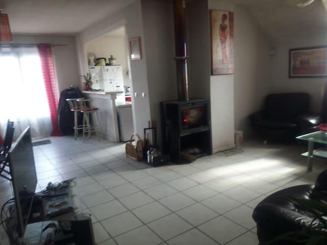 appartement entier  100 M2  proche de l'Espagne