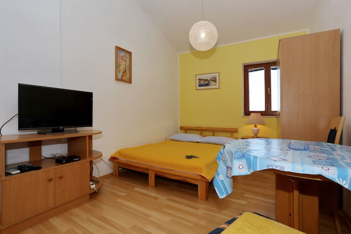 Apartment Maslina 1 - Božava