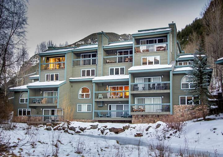 Riverside Condos by Alpine Lodging Telluride - 2 Bedroom 2 Bath Sleeps 4