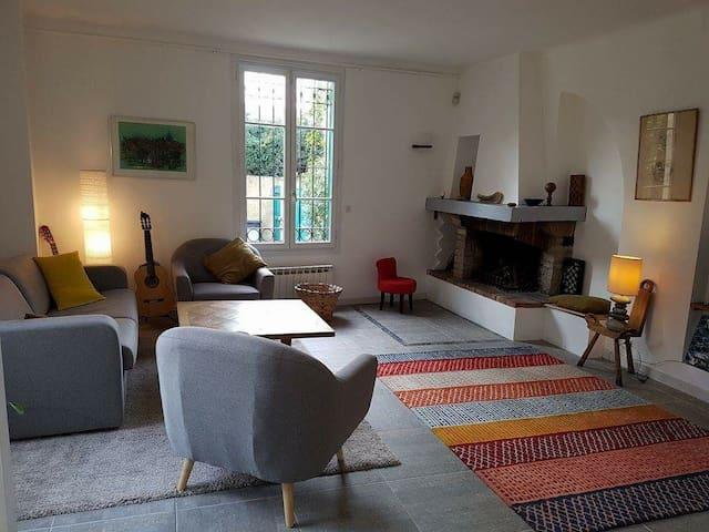 Maison Provençale à Louer , Antibes - JlP