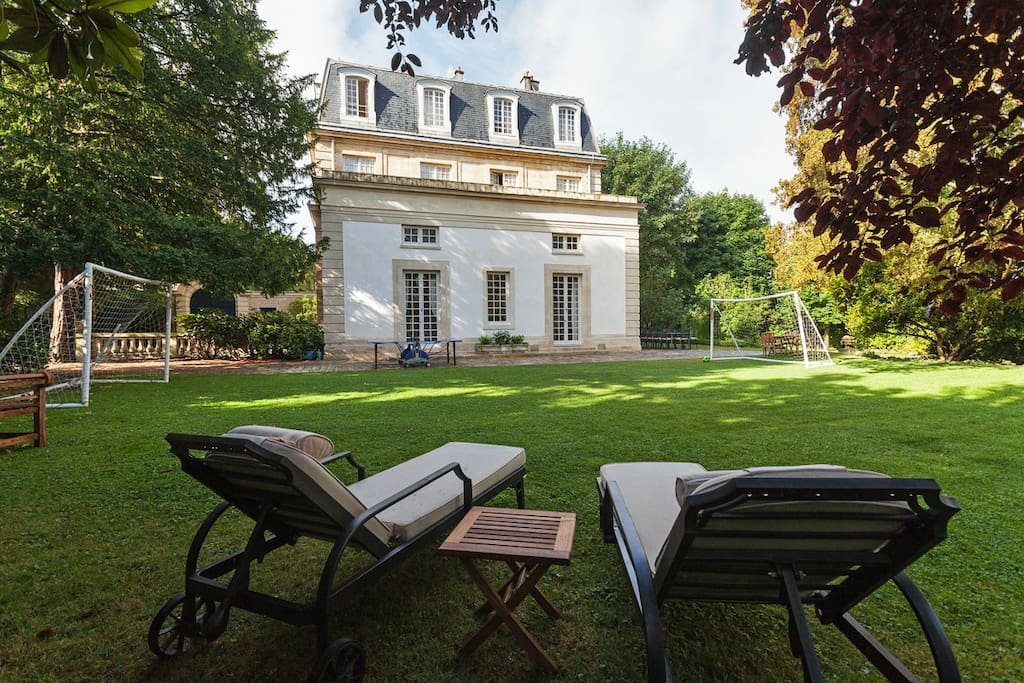 Hotel du duc de noailles maisons louer saint germain for Location maison saint germain en laye