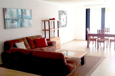 Casa en Juriquilla con alberca