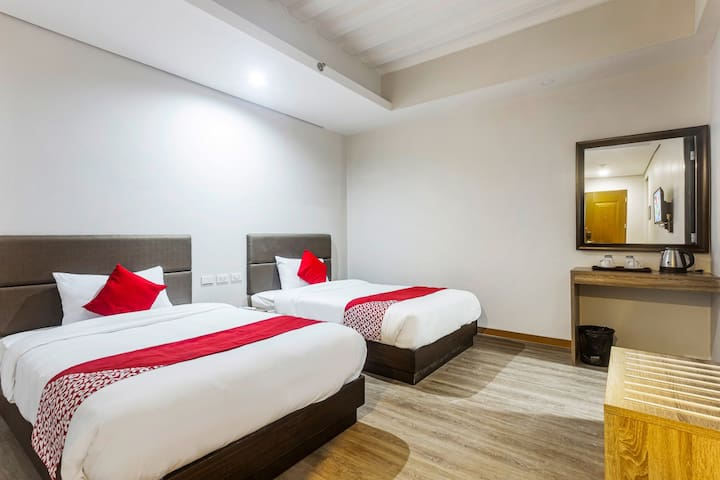 Deluxe Twin Stay @ Airo Hotel