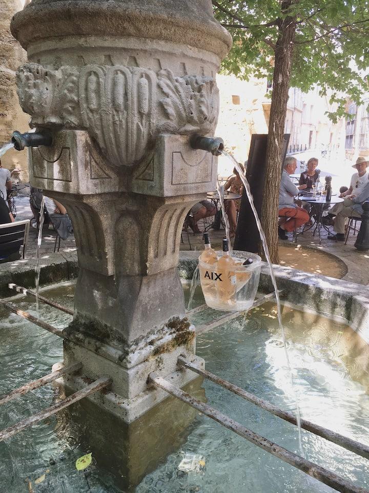 """Studio Aix Historique """"Place des 3 Ormeaux"""""""
