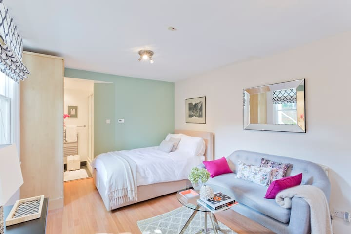 Delightful studio flat  in London - Twickenham - Wohnung