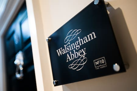 Walsingham Abbey · Beautiful Apartment 15 mins from Norwich Airport!
