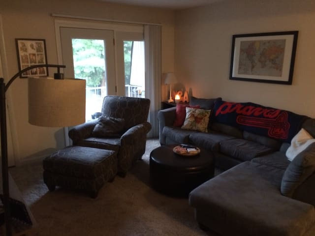 Great Bedroom 12 mins from Downtown - Knoxville - Apartment