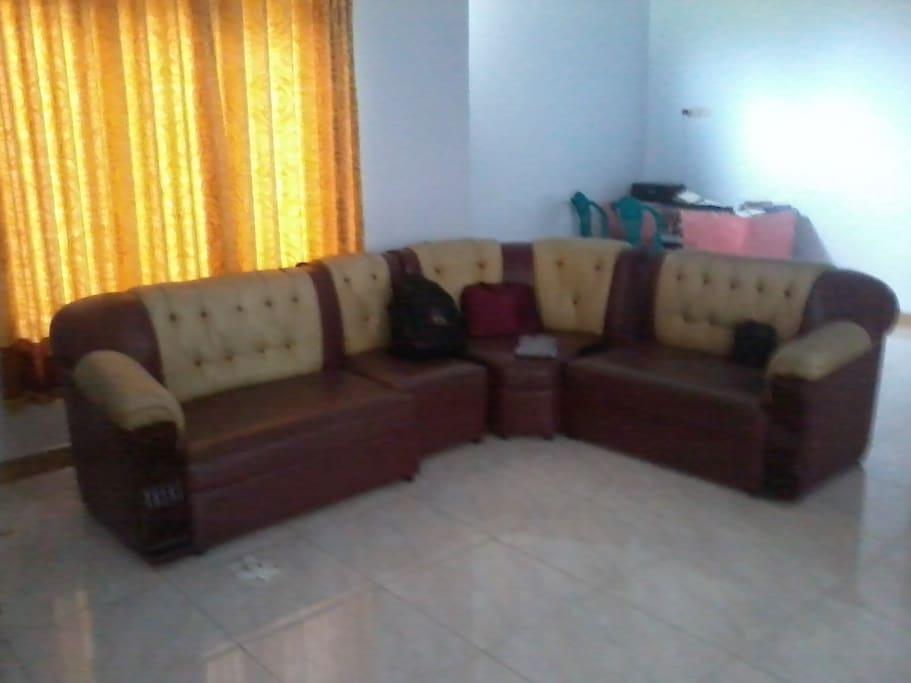 ruang keluarga