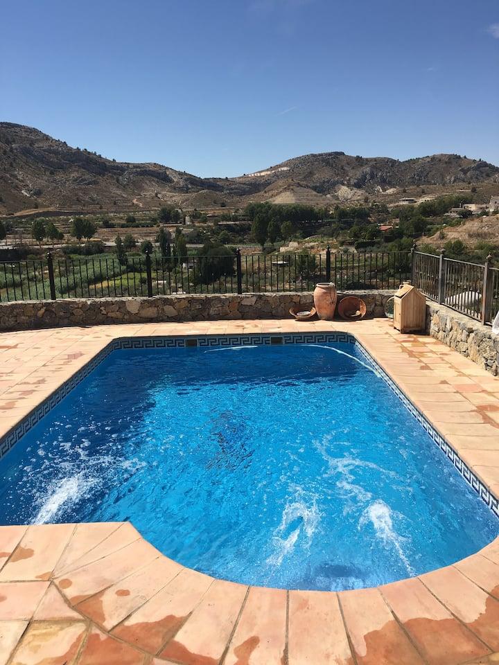 Casa con piscina casco antiguo
