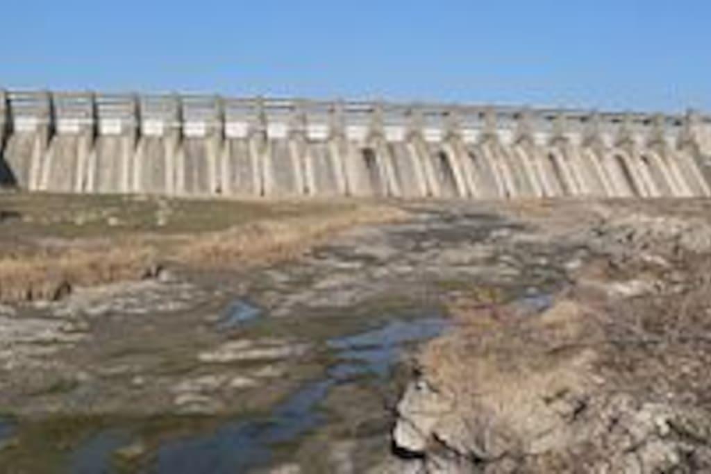 Harlan County Reservoir Dam