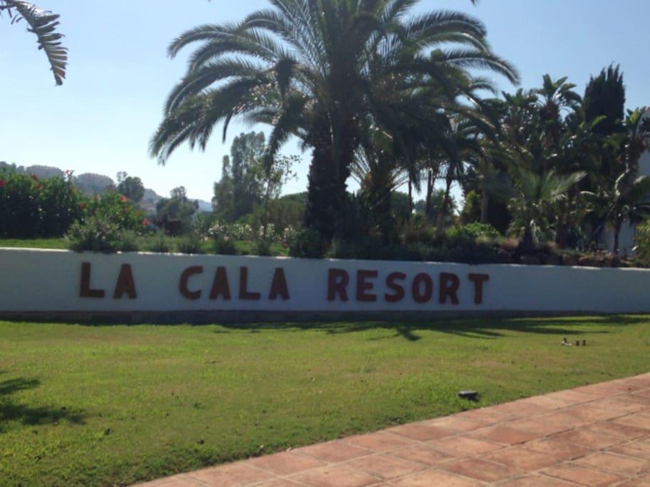 La Cala Resort main driveway