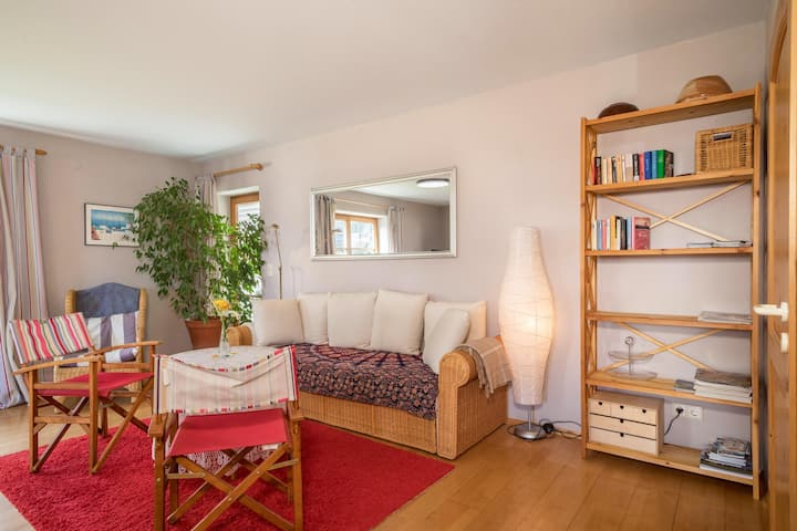 """Cosy Holiday Apartment """"Ferienwohnung Wohlfühl-Oase"""" with Terrace, Wi-Fi & SAT-TV; Parking Available"""