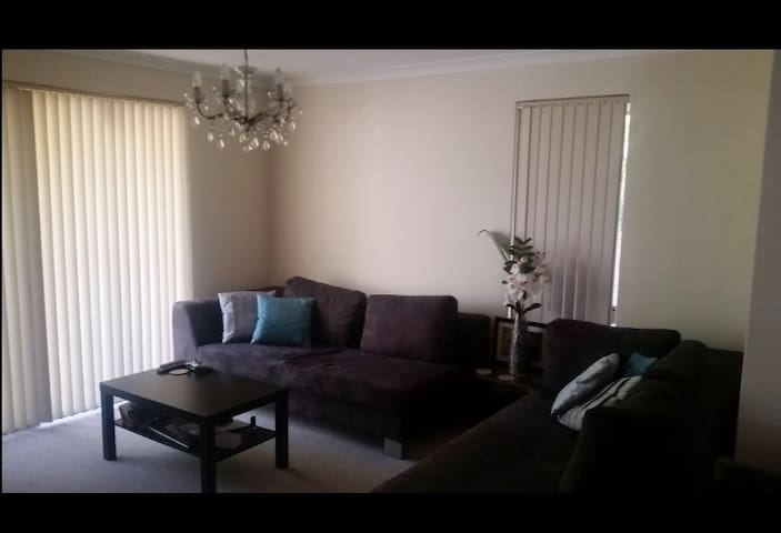 Modern double room in quiet suburb south river - Mount Pleasant - House