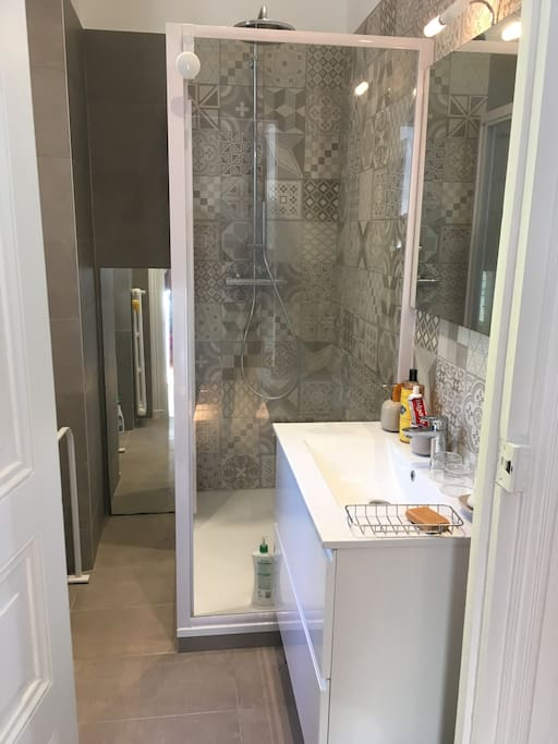 Salle de bain. Rénovation 2016.