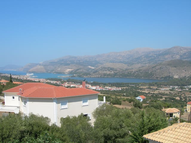 Charming&Relaxing Apartments in Helmata with view!