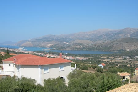 Charming&Relaxing Apartments in Helmata with view! - Κεφαλονιά Χελμάτα