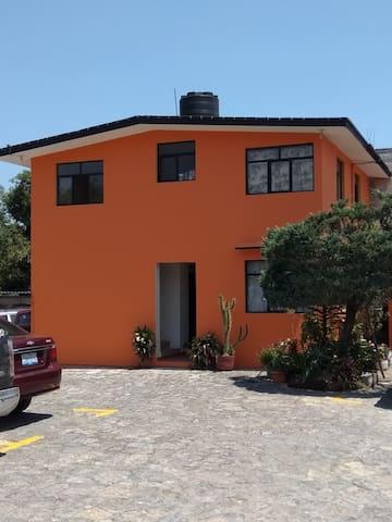 La Estancia, Posada.