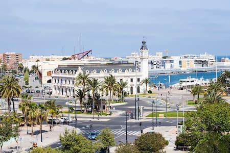 Flat entre el Puerto y Ciudad Arts - Valencia - Appartement