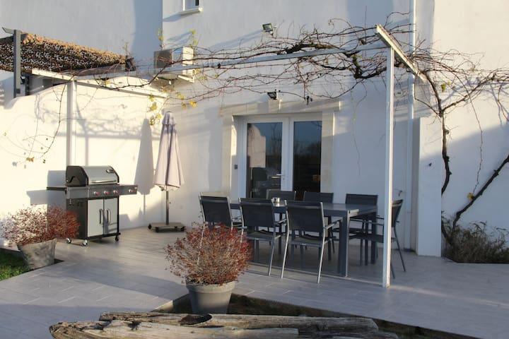 Maison de Bastian au coeur de la camargue