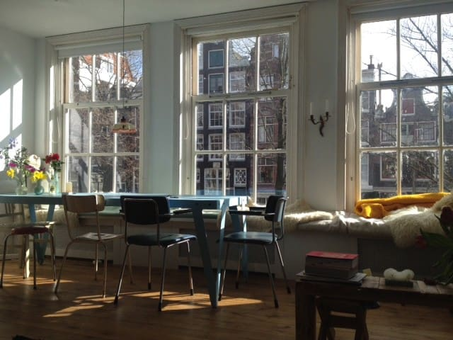 Light & peaceful canal view apartment - Amsterdam - Huoneisto