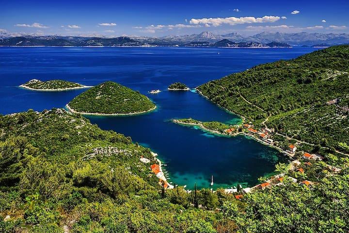 Island gateway