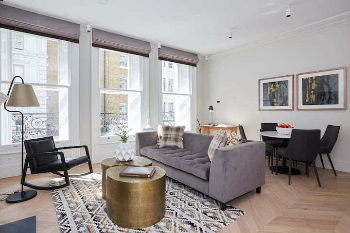 Sonder | King Street | Luxurious 1BR