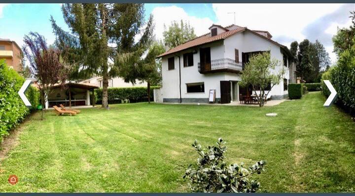 Villa in una splendida location tra natura e lago