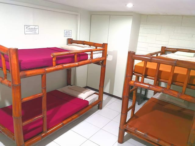 Japanese Hostel/4-bed Room/Strong Wi-Fi