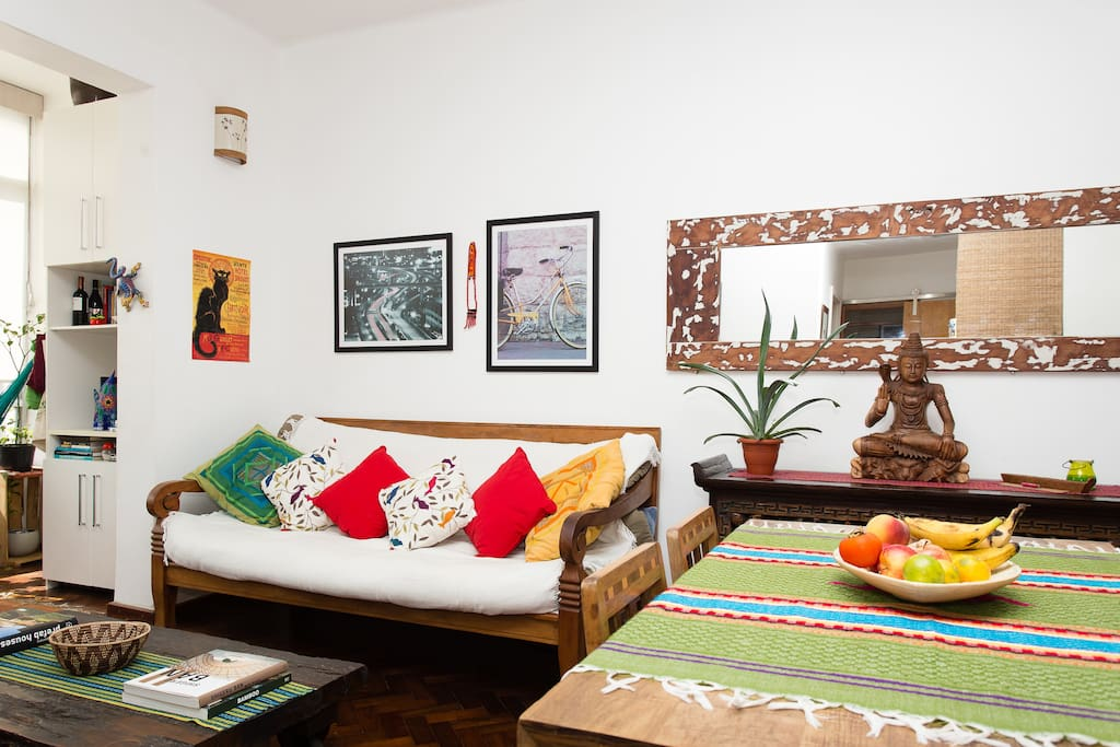 The appartment has natural light all day long and it's 5 minutes away from Lapa, Santa Teresa and Downtown.