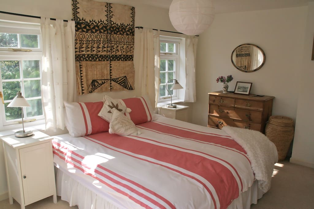 Bedroom 1. King Size, can be split into single beds