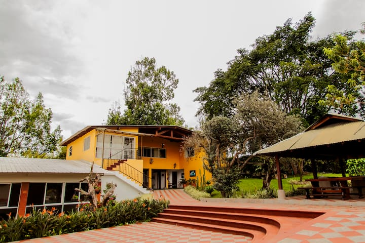 FINCA HOTEL LA PONDEROSA