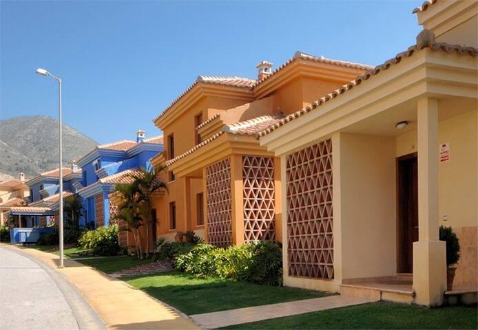 Villa 150m2 dans complexe de luxe