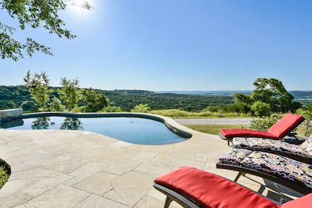 Hilltop Heaven in Spicewood - House
