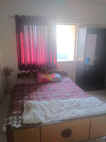 Private Room in a 2bhk Apt at Blueridge Hinjewadi1
