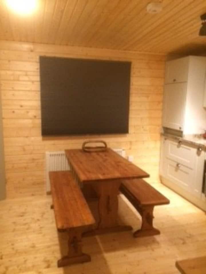 Geodes Log cabin