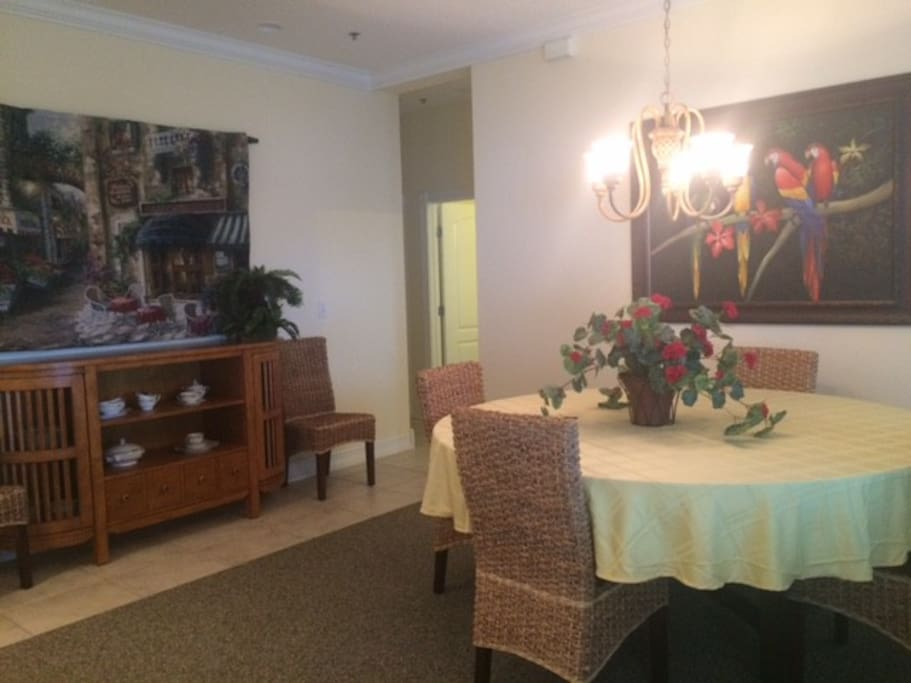 Large great room with full dining area