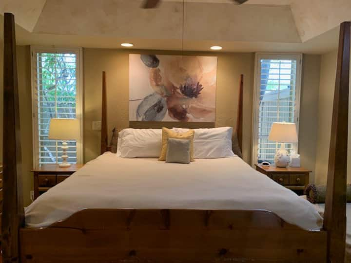 Uptown Phoenix Guest Suite & Spa Retreat