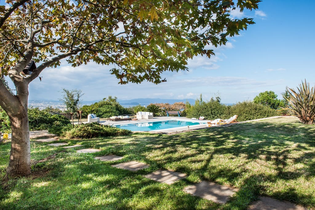 Villa Mariposa - Private spacious pool area with panoramic sea and city view