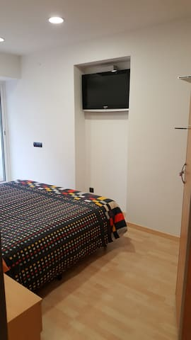 BEACH APARTMENT, just one street from the beach - Premià de Mar - Huoneisto