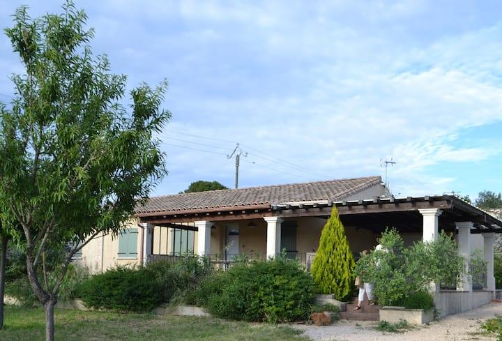 Villa à la campagne, au calme, avec superbe vue