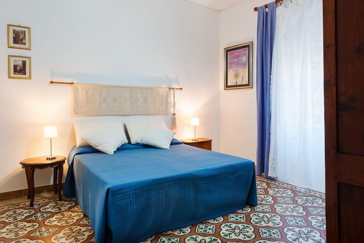 Camera 2 e 3 con bagno privato in b&b con terrazzo