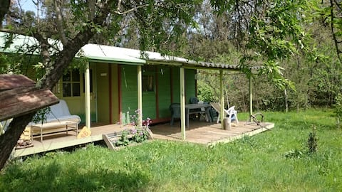 Little house in the field !