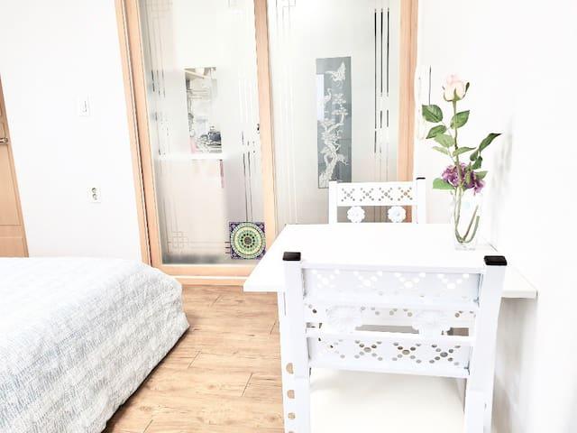 깨끗한 숙소 천안 성정동 매일 청소, clean comfort stay