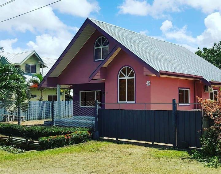 Rashida's Residence, Paramaribo. 6 sleeps.