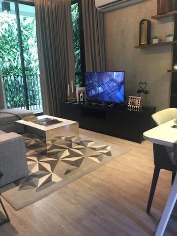 5starts 酒店式公寓/ Emporium 貴婦百貨超市/BTS - Bangkok  - Wohnung