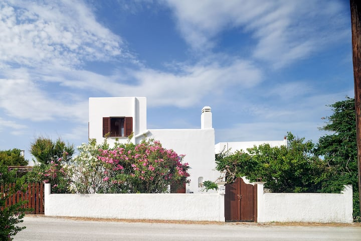 Frida's Art house in Skyros