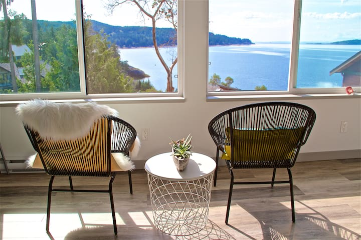 PRIVATE ENTRY GUEST ROOM WITH VIEW OF HALFMOON BAY
