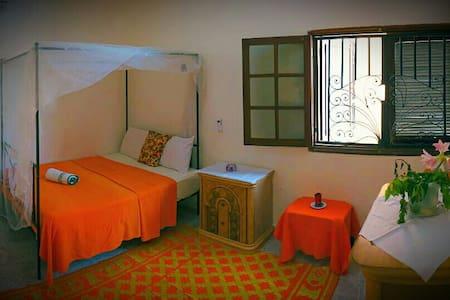 Chambre privée dans agréable villa