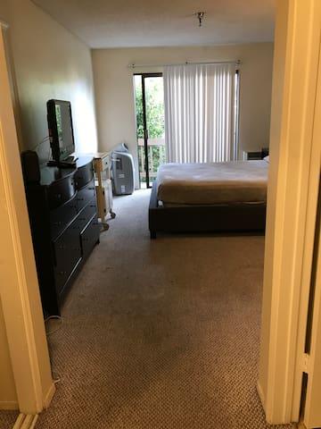 queen bed modest lodging near Beverly Hills