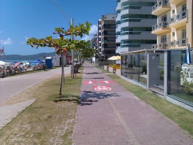 Apartamento no coração da Meia Praia,a 100m do mar - Meia Praia - 公寓